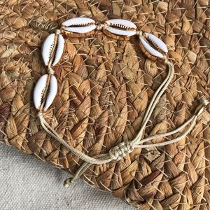 GOLD AND WHITE ENAMEL CROWIE SHELL BRACELET